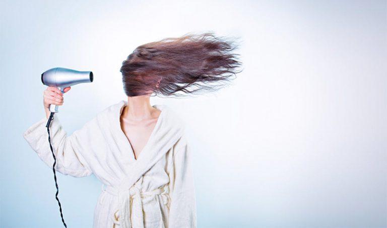 Föna håret